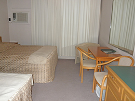 Family Large (2 Interconnecting Rooms) at Tarcutta Halfway Motor Inn